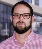 Erik Villari, PE Headshot